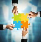 Teamwork- och partnerskapbegrepp Arkivfoton