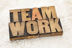 Teamwork-Wort in der hölzernen Art Stockfoto