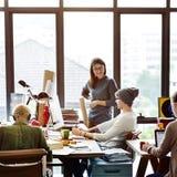 Teamwork-zusammen Berufsbesetzungs-Konzept Stockfotografie