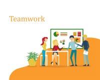 Teamworkformgivare som arbetar på ett projekt stock illustrationer