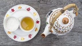 Teapot και φλυτζάνα τσαγιού Στοκ εικόνες με δικαίωμα ελεύθερης χρήσης