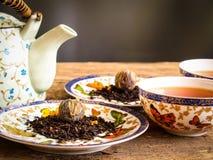 Teapot μαύρο πράσινο τσάι τσαγιού Στοκ φωτογραφία με δικαίωμα ελεύθερης χρήσης