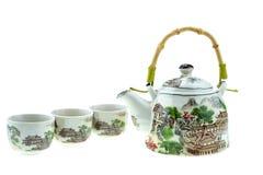 Teapot με τα φλυτζάνια σε ένα άσπρο υπόβαθρο Στοκ φωτογραφίες με δικαίωμα ελεύθερης χρήσης