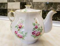 teapot πορσελάνης εργοστασίων 19 αιώνα ρωσικό θόριο Στοκ Εικόνες