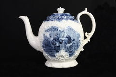 Teapot azul e branco antigo Foto de Stock Royalty Free