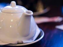 Teapot branco da porcelana Imagem de Stock Royalty Free