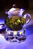 Teapot com chá verde Fotografia de Stock