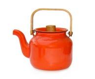 Teapot do vintage sobre o branco com trajeto de grampeamento imagem de stock