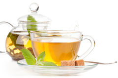 teapot för koppminttea Arkivbilder