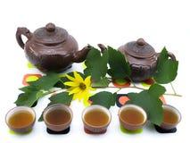 Teapots e copos da argila Imagem de Stock Royalty Free