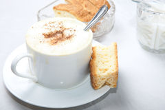 Teaspoon da chávena de café no copo Imagem de Stock Royalty Free