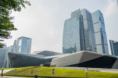 Teater för Guangzhou gränsmärkeGuangzhou tusen dollar Blått glass gardinfält, ett unikt utseende av teatern Fotografering för Bildbyråer