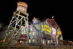 Teater för Hatfield & McCoy matställeshow i Pigeon Forge, Tennessee Arkivfoto