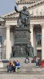 teater för munish för odeons för nationell teater nationell fyrkantiga pelare för monument royaltyfri fotografi