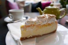 Teatime με το κέικ Στοκ Φωτογραφίες