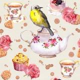 Teatime: το δοχείο τσαγιού, φλυτζάνι, κέικ, αυξήθηκε λουλούδια, πουλί πρότυπο άνευ ραφής watercolor Στοκ Εικόνες