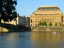 Teatr Narodowy w Praga od Kampa wyspy, Praga Obrazy Royalty Free