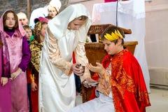Teatralnie przedstawicielstwo biblijna scena Krzy?owanie Chrystus zdjęcia stock