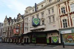 Teatrar på den Shaftesbury avenyn London fotografering för bildbyråer