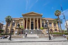 Teatro马西莫在巴勒莫,西西里岛 免版税库存照片