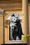Teatro马西莫,巴勒莫,古铜色狮子 库存图片