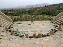 Teatro antiguo de las ruinas de la metrópoli Foto de archivo libre de regalías