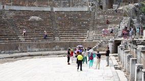 Teatro antiguo en la ciudad histórica de Ephesus almacen de video