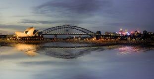 Teatro da ópera e Harbourbridge Sydney Fotos de Stock Royalty Free
