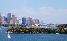 Teatro da ópera e Sydney City Foto de Stock Royalty Free