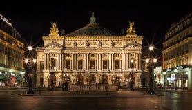 Teatro da ópera Opera grande; Opera Garnier na noite Paris, France Fotografia de Stock Royalty Free