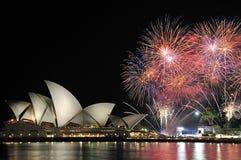 Teatro da ópera Sydney Australia dos fogos-de-artifício Fotos de Stock Royalty Free