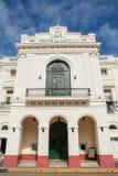 Teatro da caridade no centro da cidade de Santa Clara em Cuba fotos de stock royalty free