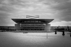 Teatro de la ópera de Copenhague en blanco y negro Foto de archivo