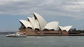 Teatro de la ópera de Sydney en Australia almacen de metraje de vídeo