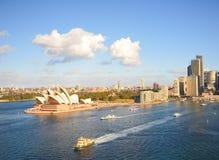 Teatro de la ópera y la ciudad, señal de Sydney Foto de archivo