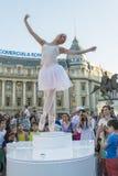 Teatro de la calle en B-FIT en la calle Bucarest 2015 Imagen de archivo libre de regalías