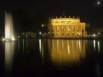 Teatro de la ópera de Stuttgart en la noche Imágenes de archivo libres de regalías