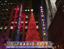 Teatro de variedades la ciudad de la radio de la señal de New York City en el centro de Rockefeller Fotos de archivo