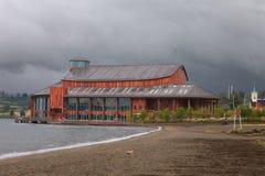 Teatro del lago en la ciudad Frutillar, lago Llanquihue, Chile imagenes de archivo