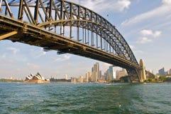 Teatro del puente y de la ópera de Sydney Fotografía de archivo libre de regalías