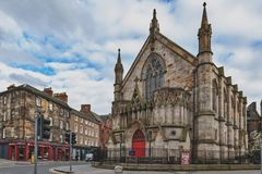 Teatro di manicomio alloggiato in una precedente chiesa neogotica a Edimburgo centrale, Regno Unito Immagine Stock Libera da Diritti