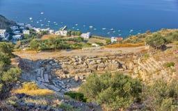 Teatro do console dos Milos e vila antigos de Klima Fotos de Stock Royalty Free