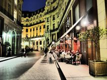 Teatro Enrico V e barre e ristoranti francesi fotografia stock libera da diritti