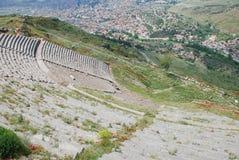Teatro grande en la acrópolis antigua de pergamon Imagenes de archivo
