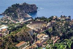 Teatro griego de Taormina Sicilia Imágenes de archivo libres de regalías