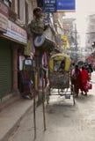 Teatro indiano da rua da criança fotografia de stock