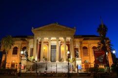 Teatro Máximo de Night Sicilia Italia Foto de archivo