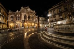 Teatro Massimo Bellini na noite foto de stock royalty free