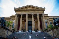 Teatro Massimo Vittorio Emanuele royaltyfri fotografi