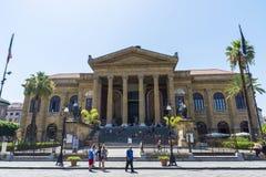 Teatro Massimo Vittorio Emanuele em Palermo em Sicília, Itália imagem de stock
